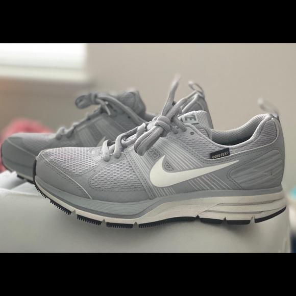 nike waterproof running shoes womens